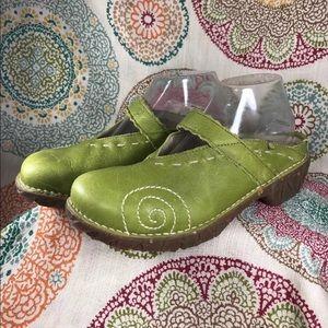El Naturalista Green Leather Clogs sz 40